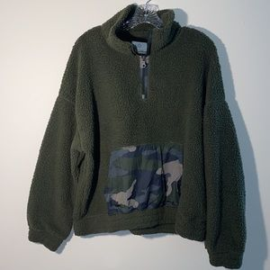 Offline Aerie Olive and Camo Sherpa Size XL